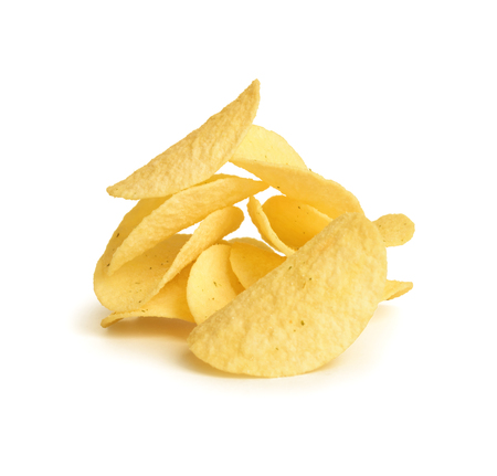 patatas: papas fritas en fondo blanco