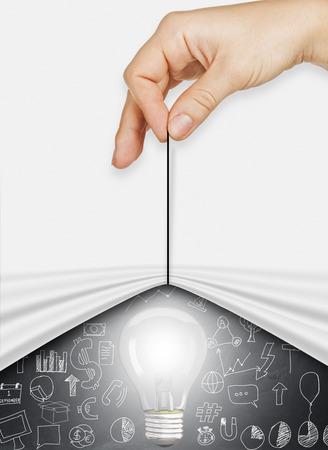 strategy: cable de tracción mano de negocios abierto espectáculo papel arrugado idea de negocio, estrategia