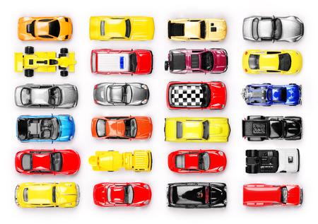 Vue aérienne sur les jouets colorés de voiture