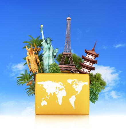 Reis de wereld monument concept, gele koffer, geïsoleerd tegen de hemel. 3d illustratie