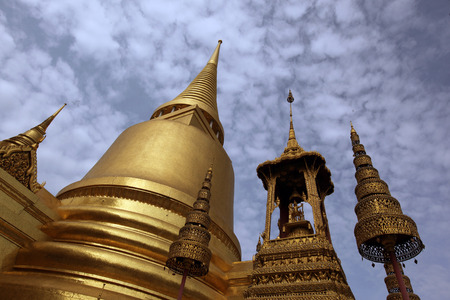 phra si rattana chedi: The Chedi Phra Si Rattana at Wat Phra Kaew in Tempelgelaende at the Royal Palace in the historic center of the capital Bangkok in Thailand