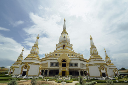 et: The Chedi Phra Maha or Great Temple Chedi Chai Mongkhon on a hill in Roi Et Province Roi Et north-west of Ubon Ratchathani in the northeast of Thailand in South East Asia