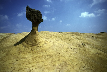 natural wonders: The natural wonders and fascinating rock formations on the coast of Yehliu at Keelung in the north of the island of Taiwan Stock Photo