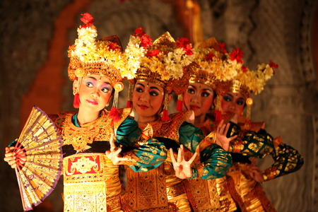 Bali Dance in the Town of Ubud in Bali in indonesia Publikacyjne