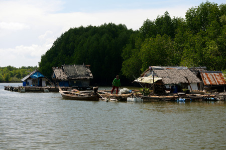 ferien: A fishing Village on a lagoon near the City of Krabi on the Andaman Sea in the south of Thailand.