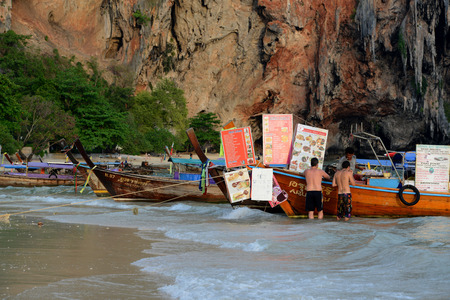 ferien: A Thai Fast Food Shop in a Woodboat at the Hat Phra Nang Beach at Railay near Ao Nang outside of the City of Krabi on the Andaman Sea in the south of Thailand.  Editorial