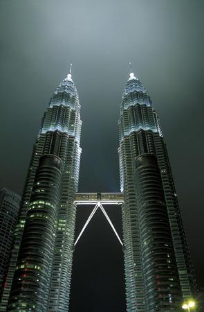 asien: Die Petronas Twin Towers in der Hauptstadt Kuala Lumpur in Malaysia in Suedost Asien.