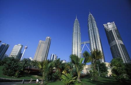 首都東南アジアのマレーシアのクアラルンプールにペトロナス ツイン タワー。