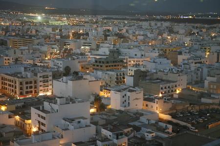 De stad Arrecife op het eiland Lanzarote op de Canarische eilanden van Spanje in de Atlantische Oceaan. op het eiland Lanzarote op de Canarische eilanden van Spanje in de Atlantische Oceaan. Redactioneel