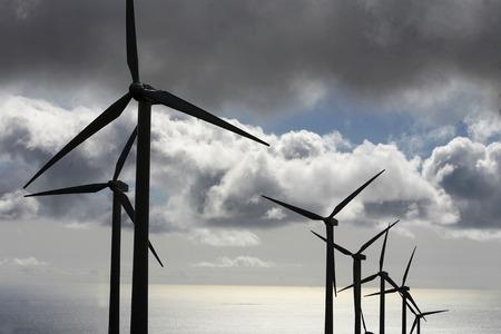 een windenergie station op het eiland Lanzarote op de Canarische Eilanden van Spanje in de Atlantische Oceaan. op het eiland Lanzarote op de Canarische Eilanden van Spanje in de Atlantische Oceaan.