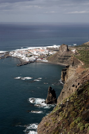 landschaft: The coast and the Village of Puerto de las Nieves on the Canary Island of Spain in the Atlantic ocean.