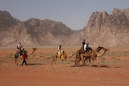tourismus: The Landscape of the Wadi Rum Desert in Jordan in the middle east.