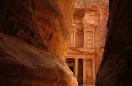 khazneh: The Al Khazneh Treasury in the Temple city of Petra in Jordan in the middle east. Stock Photo
