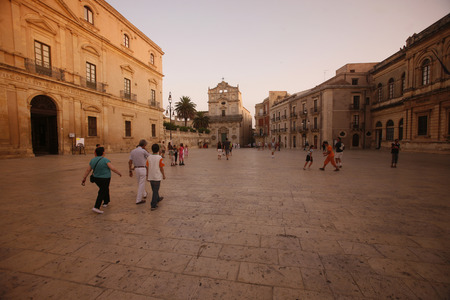 italien: The Piazza del Domo in the old Town of Siracusa in Sicily in south Italy in Europe.