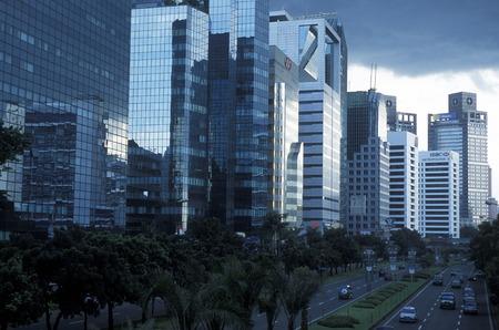 辻インドネシアのジャカルタ市内中心部のスカイライン。