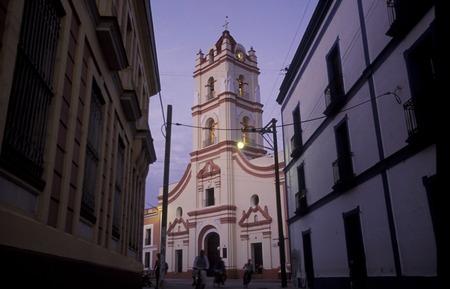 教会イグレシア デ ラ マーセド カリブ海のキューバ カマグエイの古い町で。