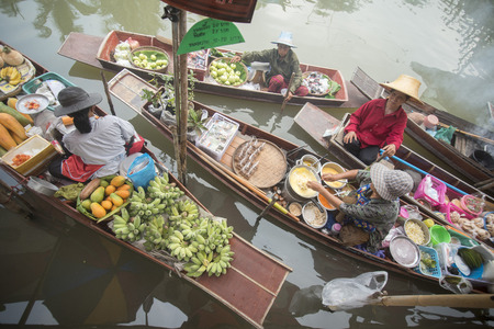 th� ¨: the floating market in the Town of Tha Kha in the Province Samut Songkhram west of the city of Bangkok in Thailand in Southeastasia.
