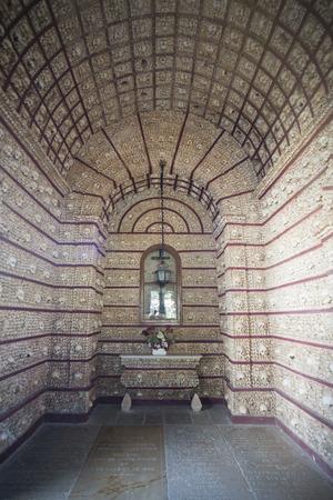 de Capela dos Ossos aan de Igreja do Carmo in de oude stad van Faro in het oosten Algarve in het zuiden van Portugal in Europa. Redactioneel