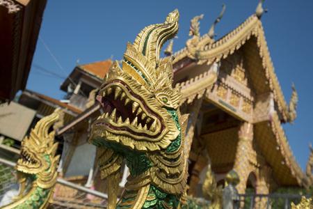 the wat chedi sao lang near of the city of Lampang in North Thailand. Kho ảnh