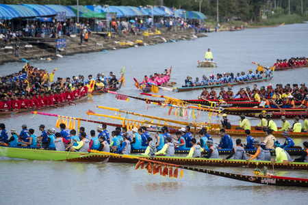 The traditional Longboat Race at the Khlong Chakarai River in the Town of Phimai in the Provinz Nakhon Ratchasima in Isan in Thailand.  Thailand, Phimai, November, 2017