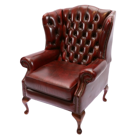 chesterfield: English Chesterfield style leather armchair isolated on white background