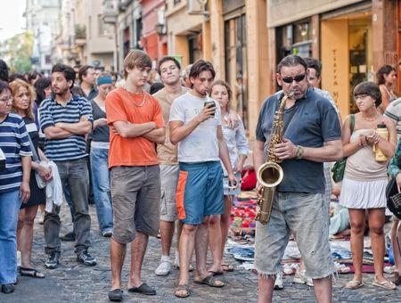 bloke: Musica di strada al San Telmo Street Market, Buenos Aires, Argentina, 7 marzo 2010