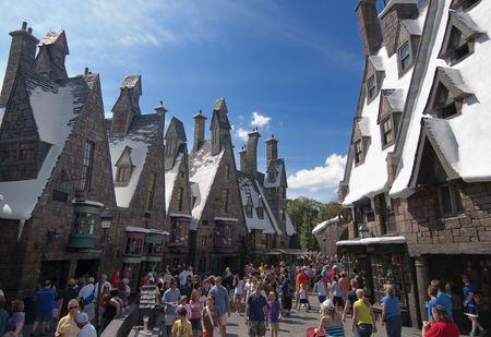 alfarero: Mágico mundo de Harry Potter, Florida, 15 de octubre de 2010. Se le llevó 5 años y costó aproximadamente 265 millones de dólares para construir.  Editorial