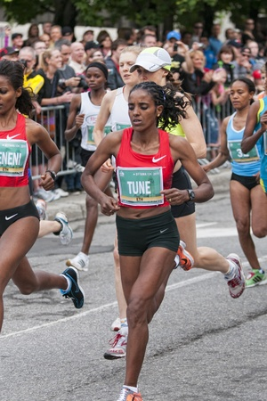 dire: Dire Tune - Winner of the annual Womens Ottawa 10km race, May 28 2011