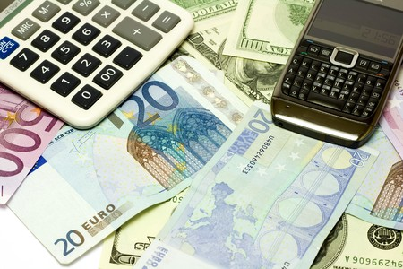 fondos violeta: D�lar, los billetes en euros, en la calculadora m�vil