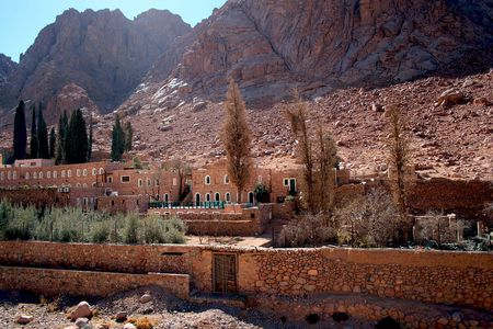 The Greek Orthodox monastery of St. Catherine at the foot of Mount Sinai (2285 m) on the Sinai Peninsula, Egypt. People believe that Mount Sinai is the Biblical mountain were Moses received the Ten Commandments.  Stock Photo - 4221559