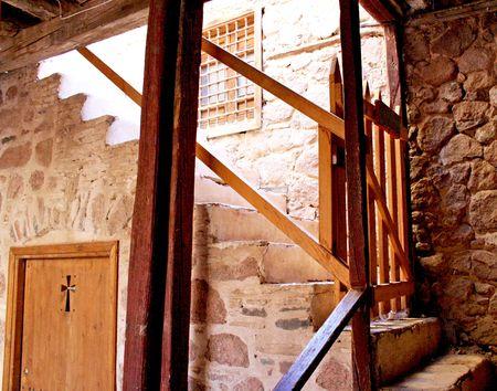 monte sinai: El monasterio griego ortodoxo de Santa Catalina, al pie del Monte Sina� (2285 m) en la Pen�nsula del Sina�, Egipto. Foto de archivo