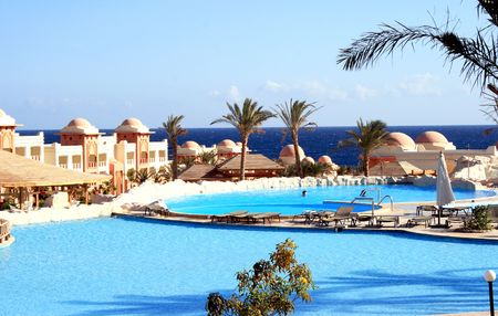 leisurely: Swimming-pools are under the opened sky ashore the Red sea