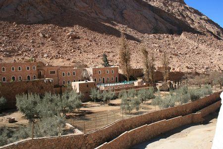 monte sinai: El griego ortodoxo del monasterio de Santa Catalina - a los pies del monte Sina� en el desierto del Sina�, Egipto.