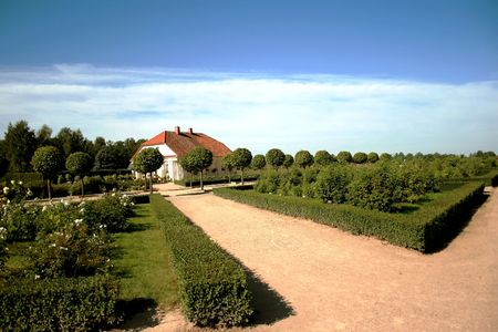 rundale: Rundale Palace � uno dei pi� insigni monumenti del Barocco e del Rococ� in Lettonia. Giardino � suddiviso in ordine di Catheriny II