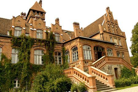 rundale: Jaunmoku Palace � l'unico castello fortificato dell'Ordine di Livonia che rimane in Lettonia. E 'stato costruito nel 1901
