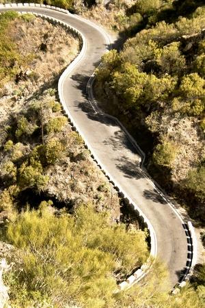 crater highlands: Carretera de monta�a en el pueblo de Masca en el buen camino en el volc�n del Teide en la isla de Tenerife