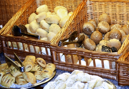 bestrew: Various fresh and soft newly-baked rolls to breakfast