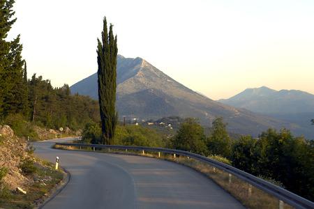 cocaina: Strada tortuosa tra le montagne del Montenegro