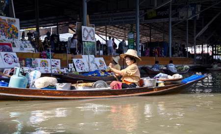 saduak: THAILAND, BANGKOK, MARCH, 26, 2015 - Damnoen Saduak Floating Market in Bangkok, Thailand. Editorial