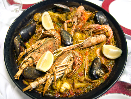 marisco: Typical spanish seafood paella in traditional pan