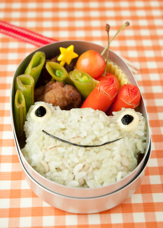 Lunch of frog motif