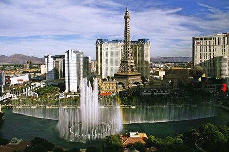 bellagio fountains: LAS VEGAS NV, USA-Oct 28: The Bellagio Fountains at evening on Oct 28, 2015 in Las Vegas, USA. More than 1,200 dancing fountains on a lake make show of water