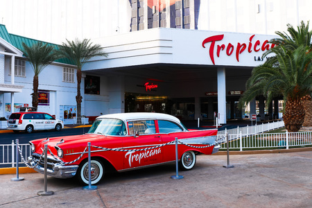 LAS VEGAS ? Oct 09: 2016 The Tropicana hotel and casino on October 09 in Las Vegas. The Tropicana opened in 1957 and it is the one of the oldest hotels on the Las Vegas Strip. 新聞圖片
