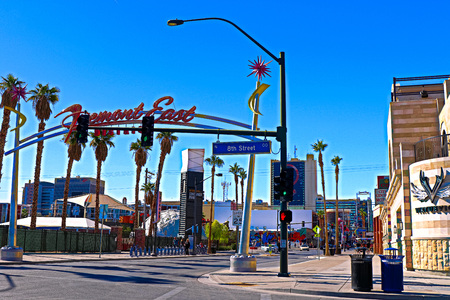 LAS VEGAS USA - OCTOBER 11 2017: Fremont Street Experience at morning. The district is famous for its numerous casinos performers and restaurants. Éditoriale