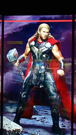 LAS VEGAS, NV, USA-SEP 20, 2017: Statue of Thor in Avengers Station complex at Las Vegas. Publikacyjne