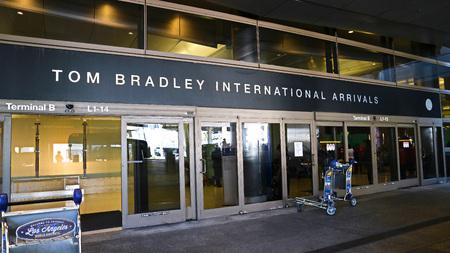 LOS ANGELES, CALIFORNIA, USA-Oct 7, 2017: The Tom Bradley International Terminal (TBIT) has 18 gates. 報道画像