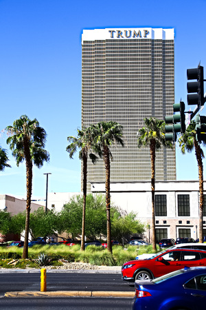 Las Vegas, USA-Sep 17, 2018: Trump International Hotel in Las Vegas, NV, named for real estate developer and politician Donald Trump. The luxury and property's windows are gilded with 24-carat gold. 報道画像