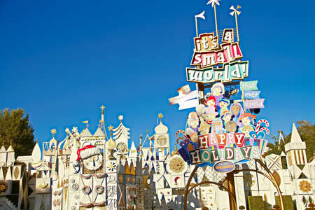 Anafeim, CA/USA - Nov 27, 2018 : It's a Small World Holiday in the Disneyland Resort. Editoriali