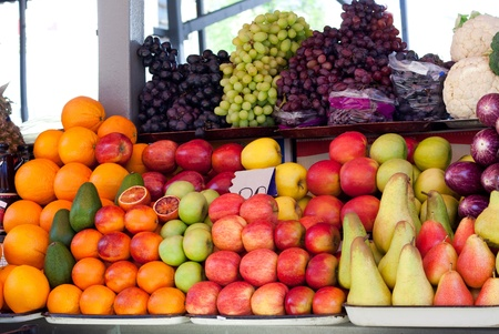 asian pear: Fruit at a market stall