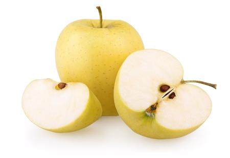 pomme jaune: RIPE apple jaune avec des tranches isol� sur fond blanc